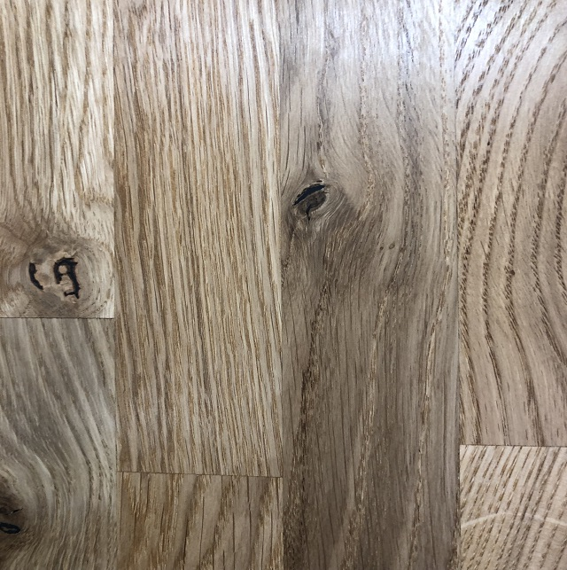 Natural Knotty Oak, Oiled