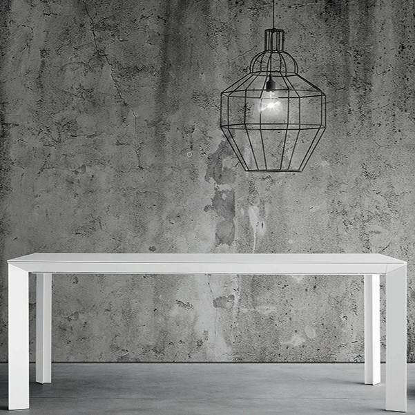 Diamante Table